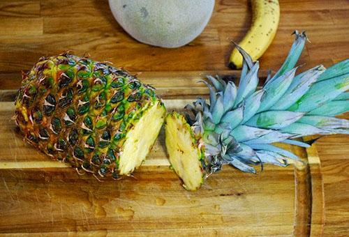 Спелый ананас