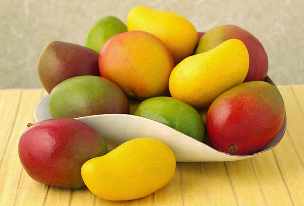 Блюдо с манго