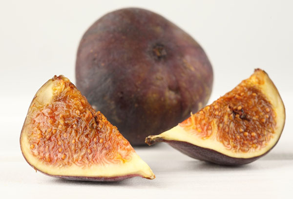 Спелый инжир с семенами
