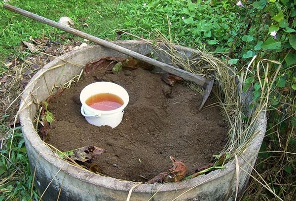 Приготовление компоста с ЭМ-препаратом