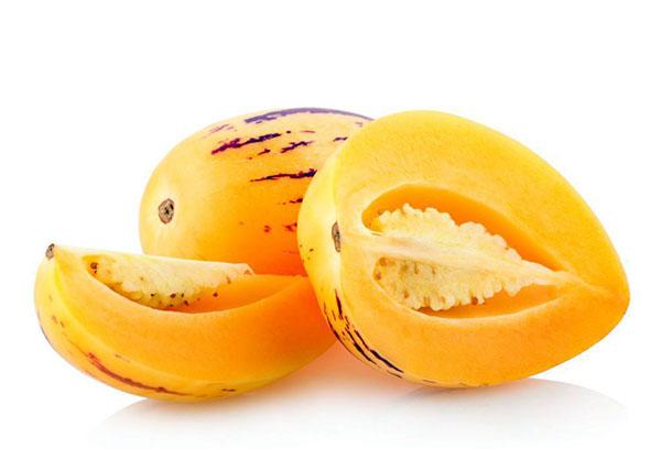 Плод пепино в разрезе