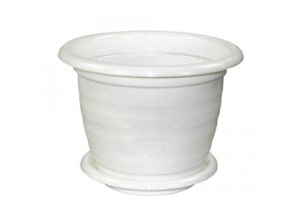 Белый пластиковый горшок