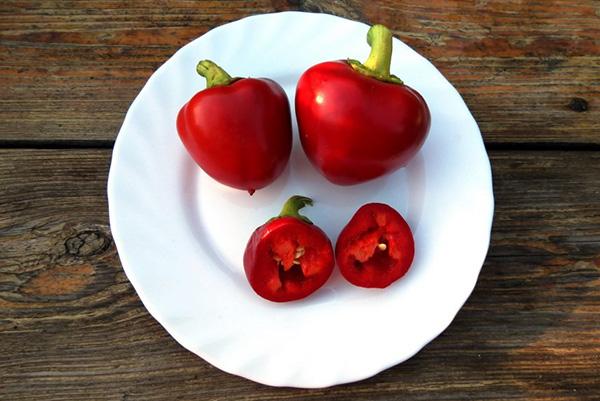 Плоды перца Колобок