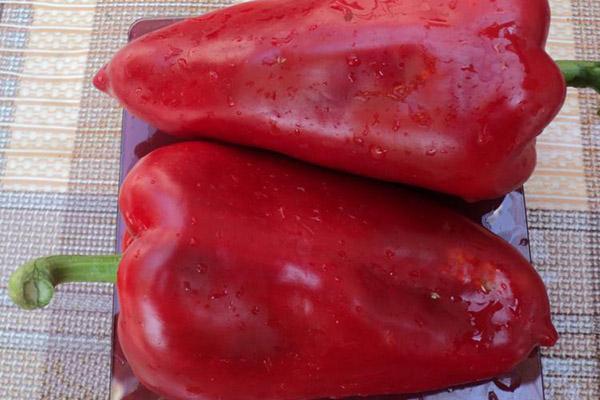 Взвешивание плодов перца