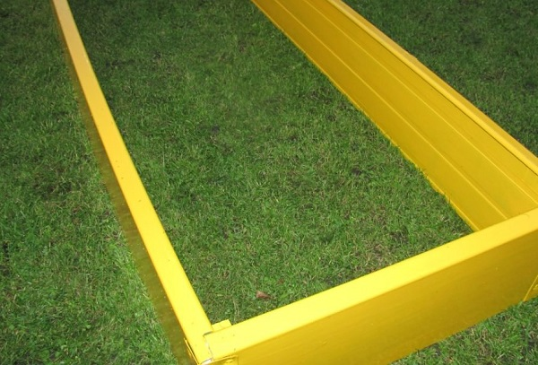 Принцип построения высоких грядок из пластиковых панелей